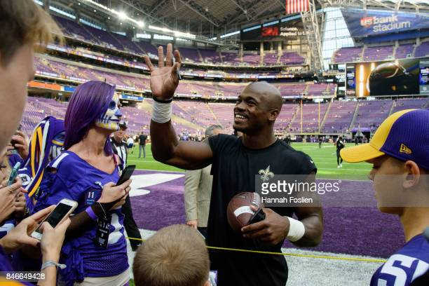 Adrian Peterson of the New Orleans Saints waves to fans before the game against the Minnesota Vikings on September 11 2017 at US Bank Stadium in...