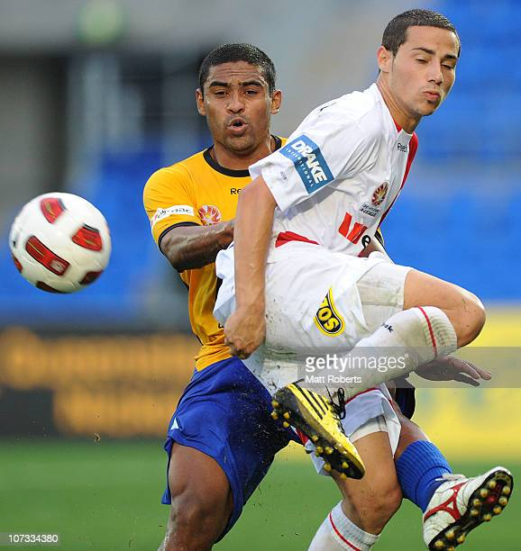 Adrian Zahra of the Heart contests the ball with Anderson Alves Da Silva of the Gold Coast during the round 17 ALeague match between Gold Coast...