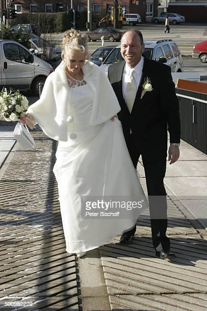 Adriana Kovacova Olaf Henning Hochzeit von O l a f H e n n i n g und A d r i a n a K o v a c o v a Standesamt Schloßhorst Gelsenkirchen PNr 284/2005...
