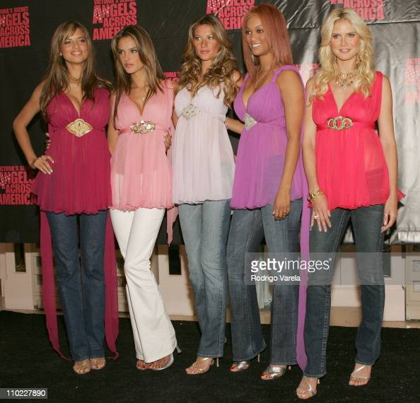 Tyra Banks Victoria S Secret Walk: Adriana Lima, Alessandra Ambrosio, Gisele Bundchen, Tyra