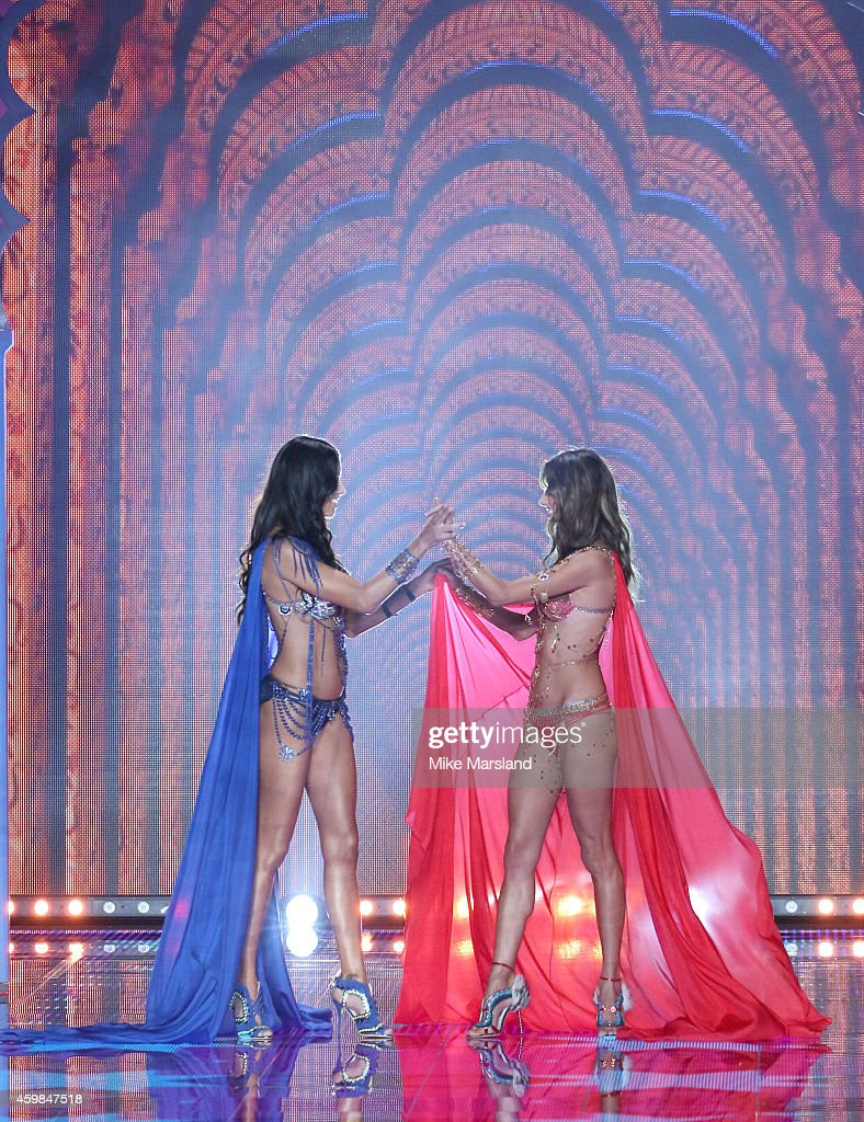 2014 Victoria's Secret Fashion Show - Runway : News Photo