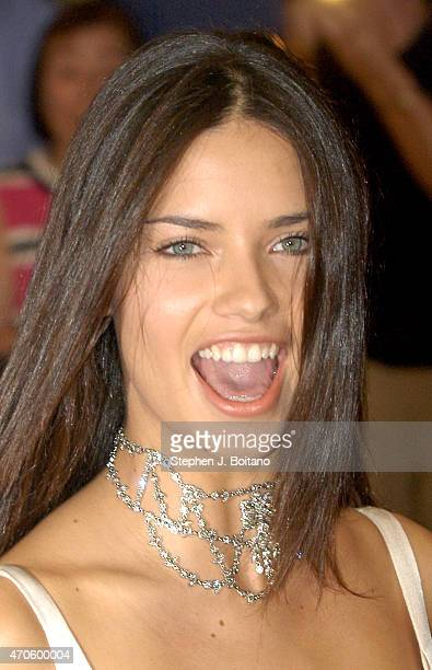 Adriana Lima arrives at the annual WHITE HOUSE CORRESPONDENT'S ASSOCIATION DINNER in Washington DC Comedian Jay Leno delivered a monologue as the...