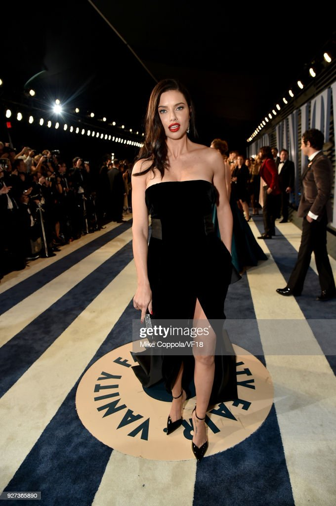 2018 Vanity Fair Oscar Party Hosted By Radhika Jones - Roaming Arrivals