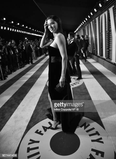 Adriana Lima attends the 2018 Vanity Fair Oscar Party hosted by Radhika Jones at Wallis Annenberg Center for the Performing Arts on March 4 2018 in...