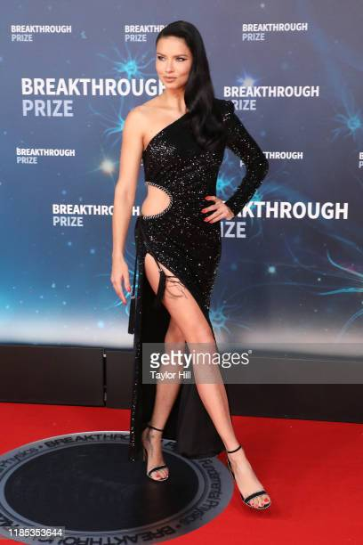 Adriana Lima attends the 2020 Breakthrough Prize Ceremony at NASA Ames Research Center on November 03, 2019 in Mountain View, California.