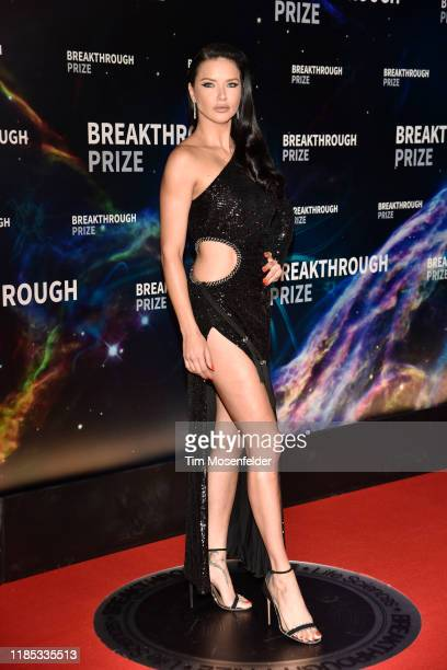 Adriana Lima attends the 2020 Breakthrough Prize Red Carpet at NASA Ames Research Center on November 03, 2019 in Mountain View, California.