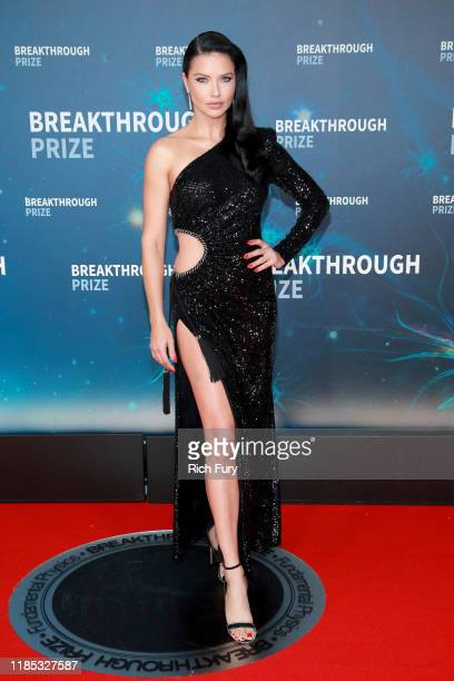 Adriana Lima attends the 8th Annual Breakthrough Prize Ceremony at NASA Ames Research Center on November 03, 2019 in Mountain View, California.