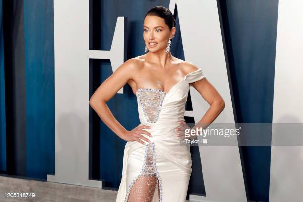 Adriana Lima attends the Vanity Fair Oscar Party at Wallis Annenberg Center for the Performing Arts on February 09 2020 in Beverly Hills California