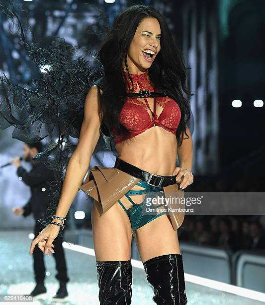 Adriana Lima walks during the 2016 Victoria's Secret Fashion Show on November 30 2016 in Paris France