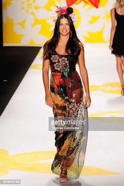Adriana Lima walks the runway at Desigual during MercedesBenz Fashion Week Spring 2015 at The Theatre at Lincoln Center on September 4 2014 in New...