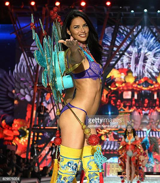 Adriana Lima walks the runway during the 2016 Victoria's Secret Fashion Show on November 30, 2016 in Paris, France.