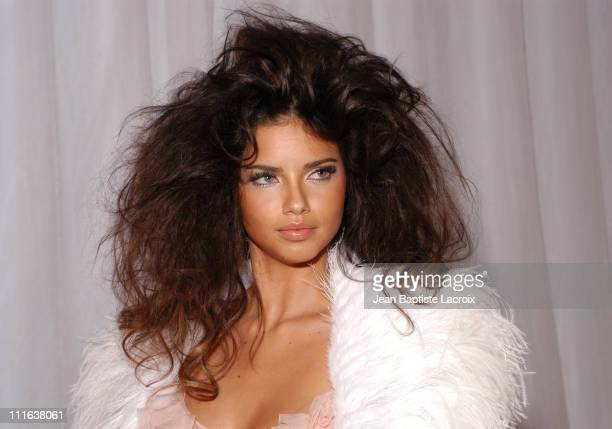 Adriana Lima wearing Versace Haute Couture during Paris Fashion Week Haute Couture AutumnWinter 2003 2004 Versace Press Presentation at Ritz Hotel 62...