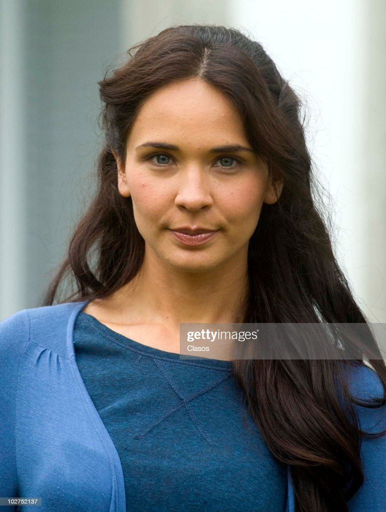 https://media.gettyimages.com/photos/adriana-louvier-poses-for-a-photo-during-the-recording-of-the-movie-picture-id102752137