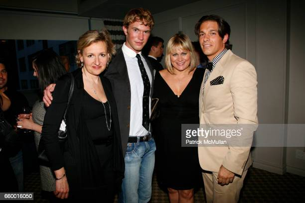 Adriana Pidwerbetsky Alex Marshall Suzanne Fuller and Jared Clark attend DIAMOND CLUB JEWELRY presents SAVE THE EGGS 2009 cocktails benefiting...