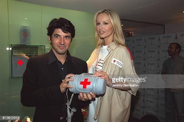 Adriana Sklenarikova-Karembeu est la marraine de l'operation Croix Rouge.
