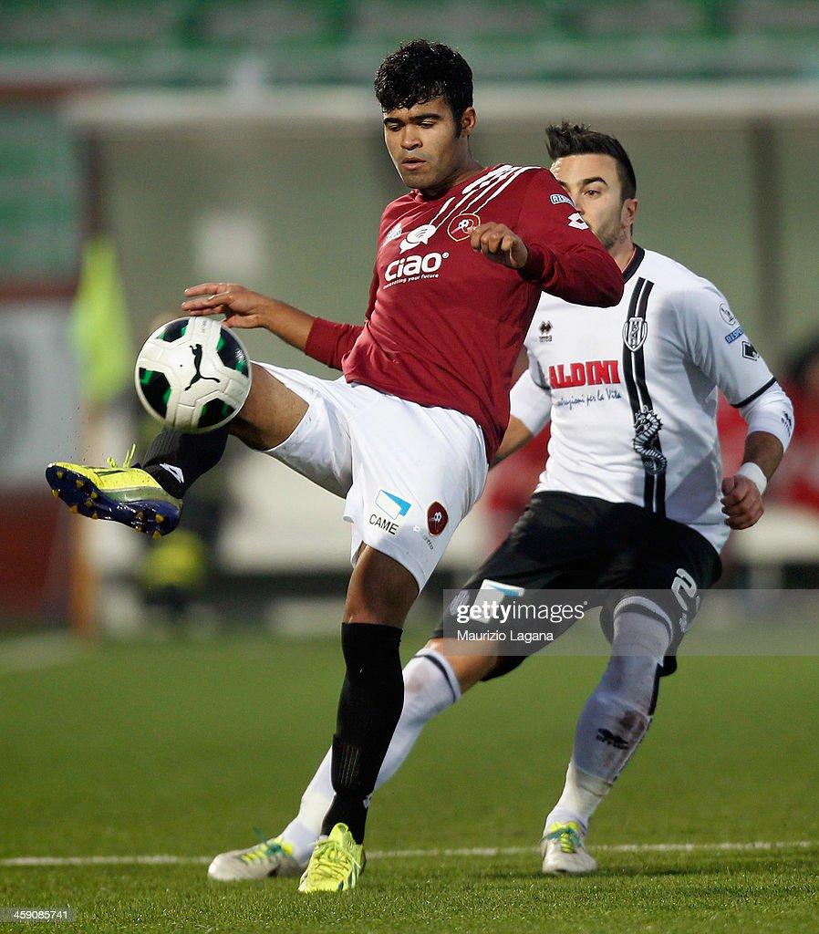 Adriano Louzada of Reggina during the Serie B match ...