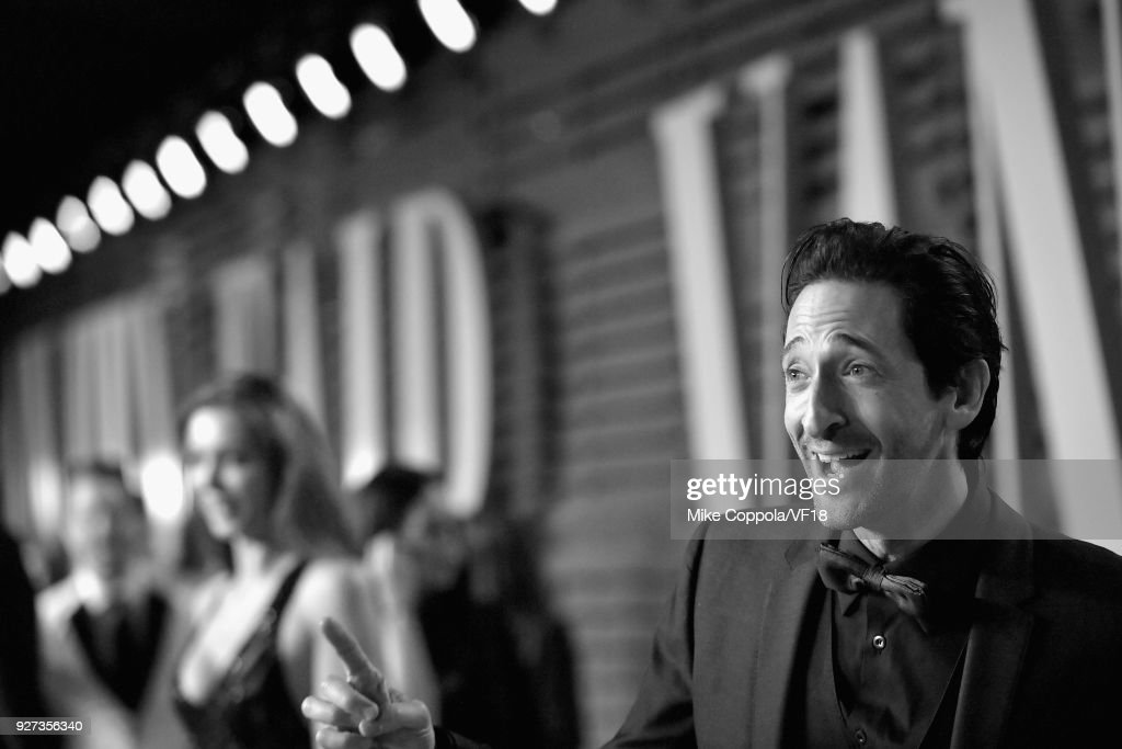 Adrien Brody attends the 2018 Vanity Fair Oscar Party hosted by Radhika Jones at Wallis Annenberg Center for the Performing Arts on March 4, 2018 in Beverly Hills, California.