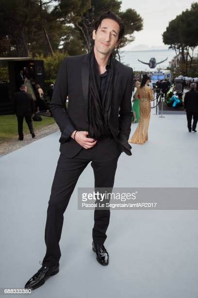 Adrien Brody attends the amfAR Gala Cannes 2017 at Hotel du Cap-Eden-Roc on May 25, 2017 in Cap d'Antibes, France.