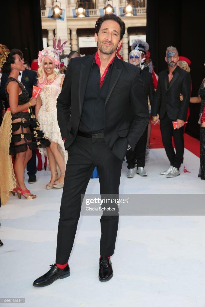 Red Carpet Arrivals - Life Ball 2018 : Nachrichtenfoto