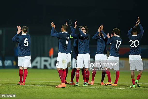Adrien Rabiot of France celebrate with teammates at the end of the game during the Uefa U21 European Championship qualifier between France and...
