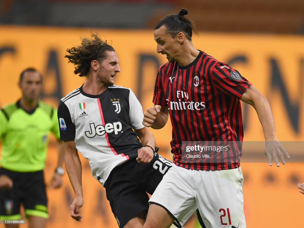 Adrien Rabiot Of Juventus And Zlatan Ibrahimovic Of Ac Milan Compete News Photo Getty Images