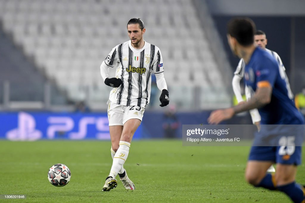 Juventus v FC Porto  - UEFA Champions League Round Of 16 Leg Two : News Photo
