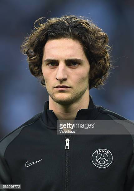 Adrien Rabiot of Paris SaintGermain lines up before the UEFA Champions League Quarter Final Second Leg match between Manchester City FC and Paris...