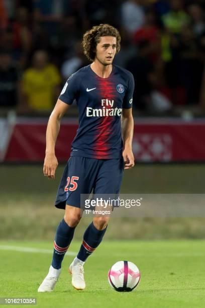 Adrien Rabiot of Paris St Germain controls the ball during the Ligue 1 match between Paris SaintGermain and SM Caen at Parc des Princes on August 12...