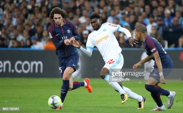 Adrien Rabiot of PSG Andre Zambo Anguissa of OM during the French Ligue 1 match between Olympique de Marseille and Paris Saint Germain at Stade...