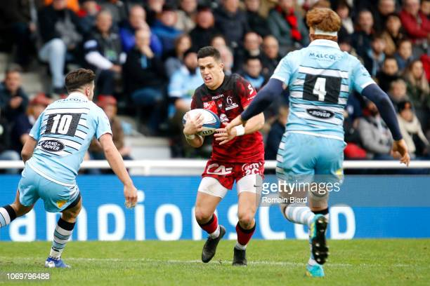Adrien Seguret of Lyon and Adam Hastings of Glasgow during the European Champions Cup match between Lyon OU and Glasgow Warriors at Gerland Stadium...