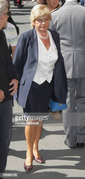 Adua Veroni attends Luciano Pavarotti's funeral held in Modena's Duomo on September 8 2007 in Modena Italy Pavarotti died of pancreatic cancer on...