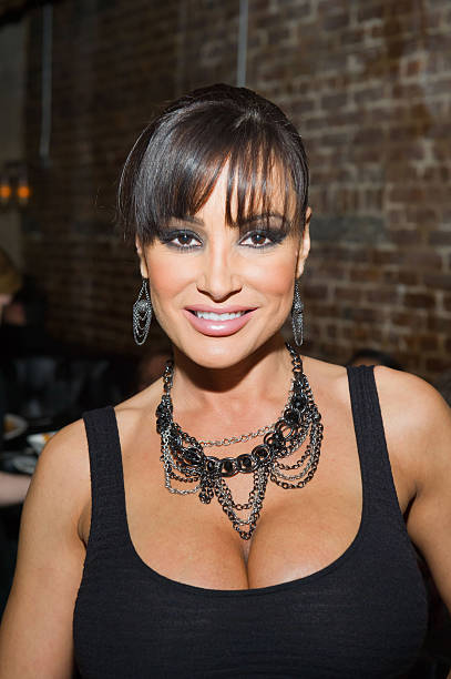 Lisa Ann Visits Southern Hospitality Photos And Images -5419