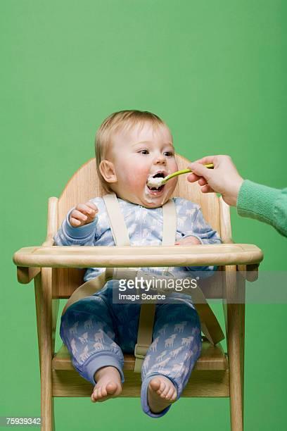 Eltern Füttern baby