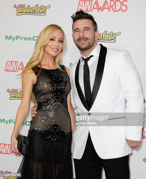Adult Film Actors Kayden Kross And Manuel Ferrara Attend The Adult Video News Awards Avn Awards