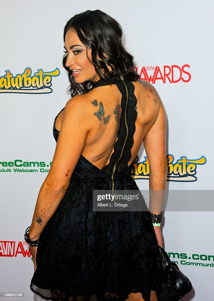 Toll Adult Film Actress Claudia Valentine At The 2016 AVN Awards Nomination  Party Held At Avalon On