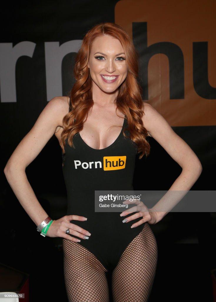 Jenny Blighe Nude Photos 24