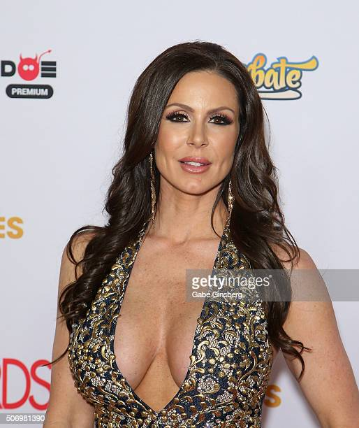 Adult film actress Kendra Lust attends the 2016 Adult Video News Awards at the Hard Rock Hotel & Casino on January 23, 2016 in Las Vegas, Nevada.