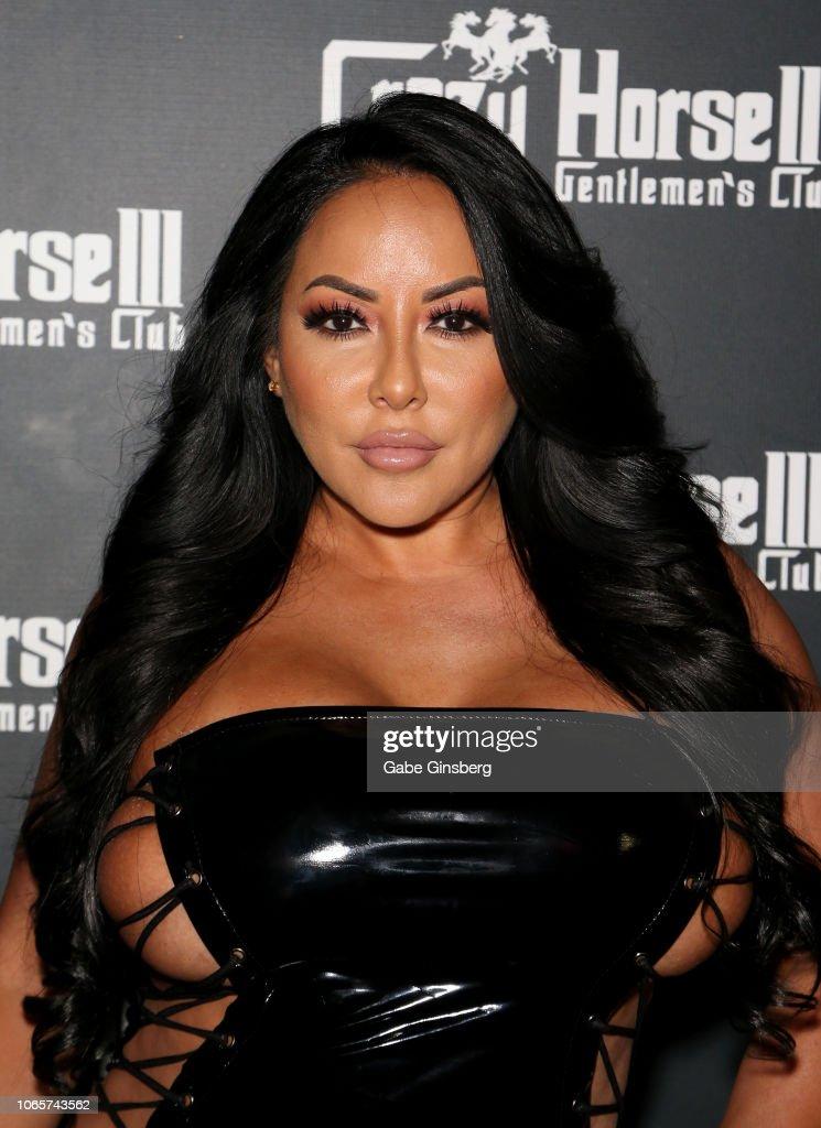 Kiara Mia Hosts Party At Crazy Horse 3 Gentlemen's Club In Las Vegas : Fotografía de noticias