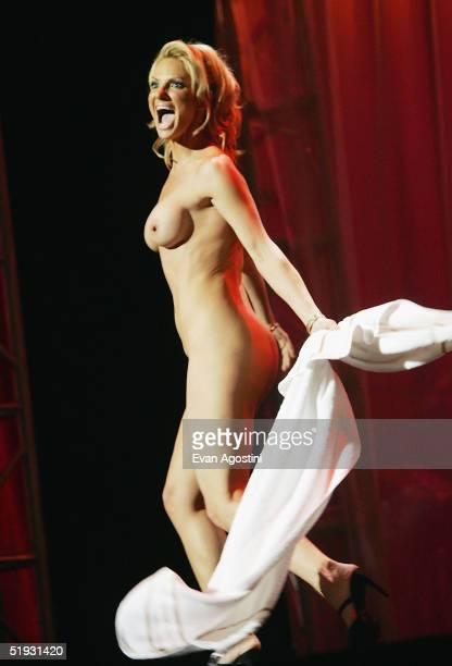 Adult film star Savanna Samson cohosts the 2005 AVN Awards on January 8 2005 at the Venetian Hotel in Las Vegas Nevada