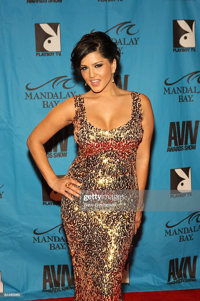 Adult Film Star Sunny Leone Arrives On The Red Carpet At 2009 AVN Awards Show