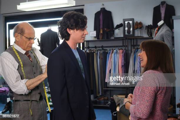 THE MIDDLE 'Adult Swim' After discovering that he doesn't have a decent suit to wear for upcoming business interviews Frankie is thrilled when Axl...