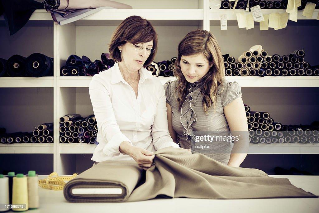 Erwachsene Frau Unterricht Auszubildende : Stock-Foto
