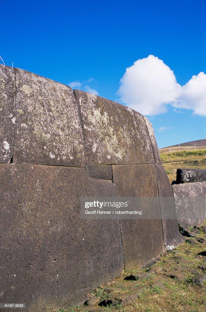 Advanced platform masonry, Ahu Vinapu, Easter Island, Chile, Pacific : Foto de stock