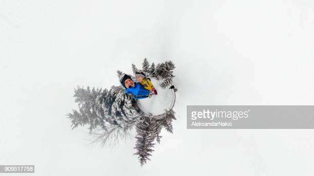 selfie de aventura - formato de pequeno planeta - fotografias e filmes do acervo