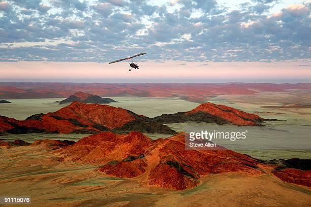 adventure travel - aereo ultraleggero foto e immagini stock