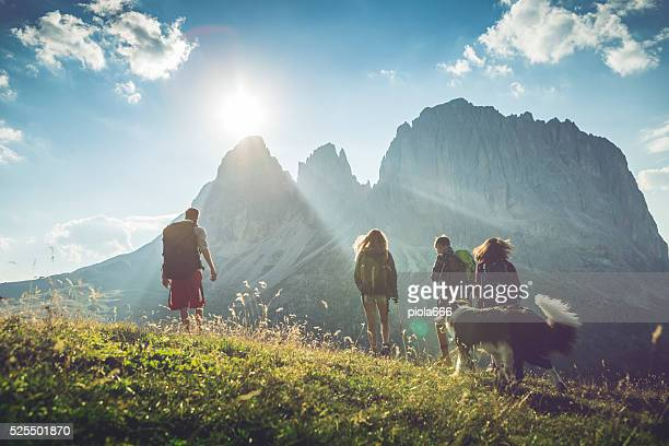 Abenteuer in den Dolomiten mit Hund