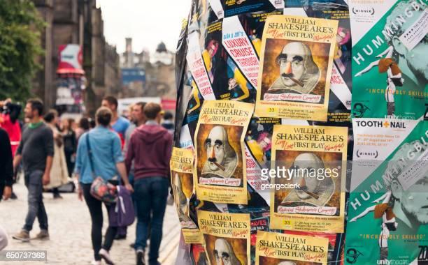 Publicidad en la Royal Mile durante el Fringe Festival de Edimburgo
