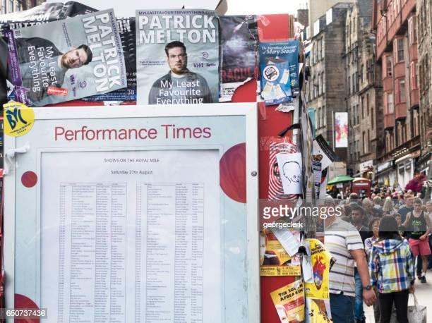 Publicité sur le Royal Mile lors du Fringe Festival d'Édimbourg