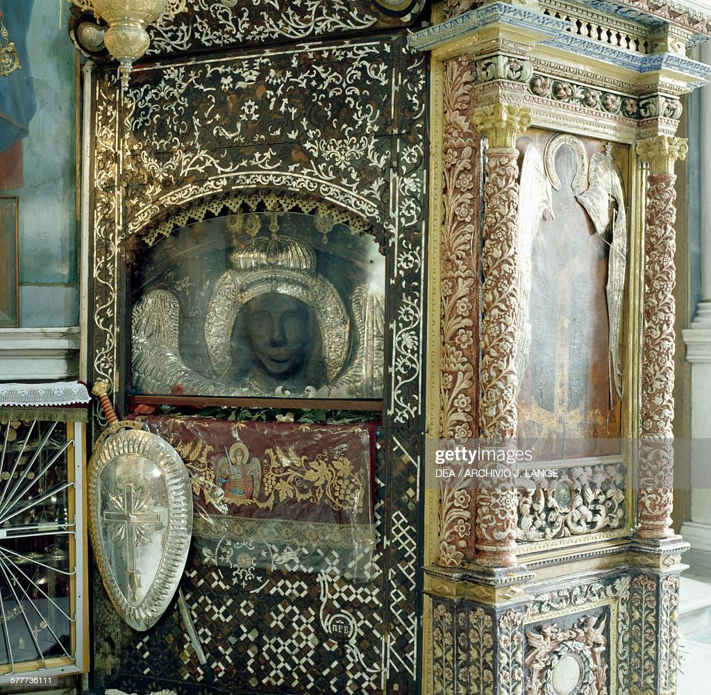 Aedicula with miraculous icon of Archangel Michael : News Photo