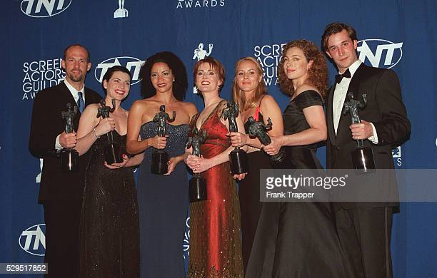 AEdwards JMargulies GReuben LInnes MBello AKingston NWyle awarded Best Drama Cast in ER
